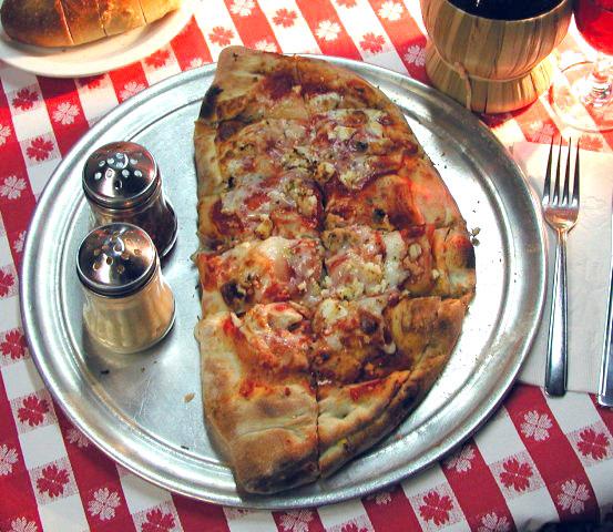 Giorgio's Pizza Calzone